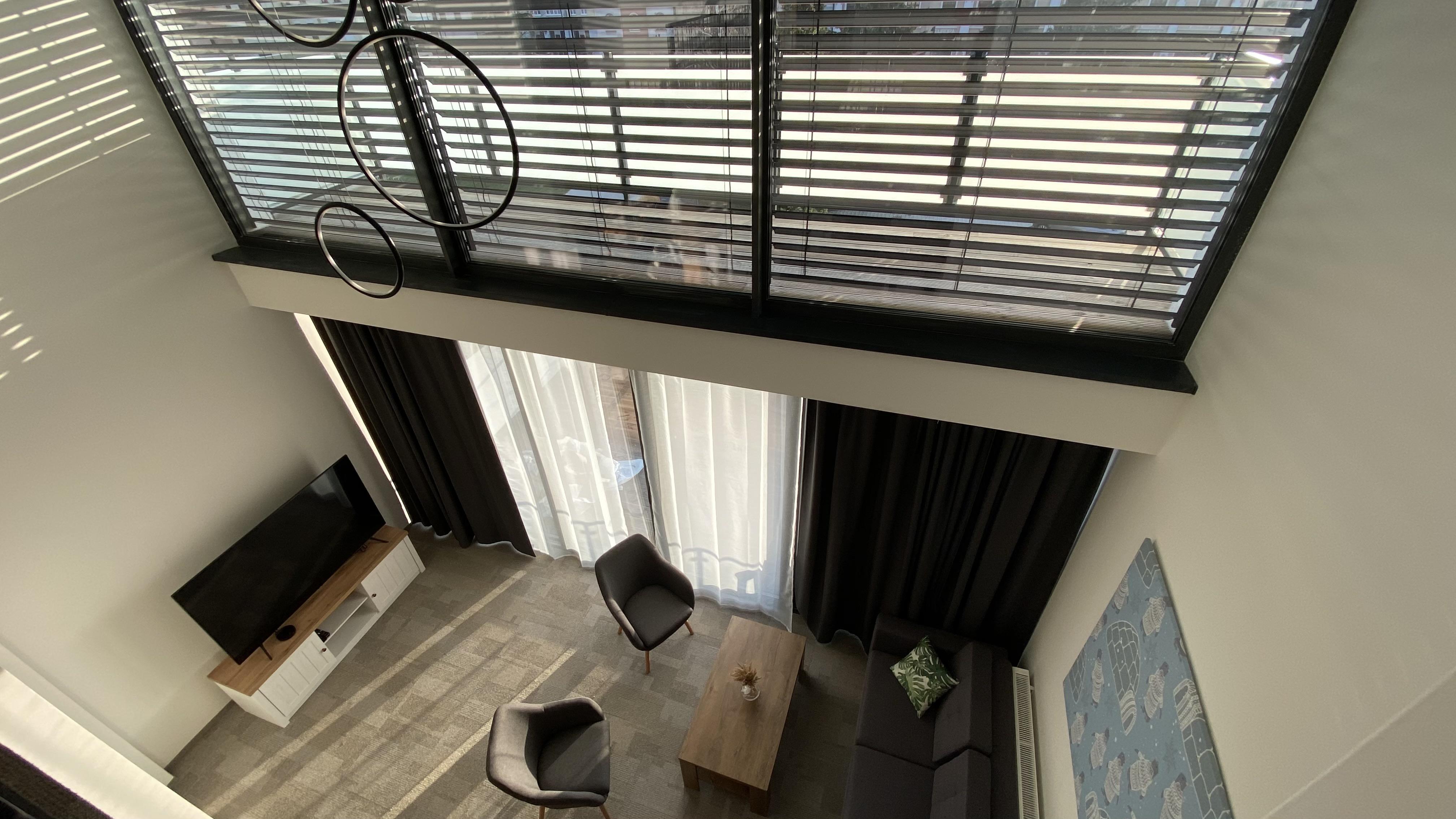 loft 5 zhorajpg